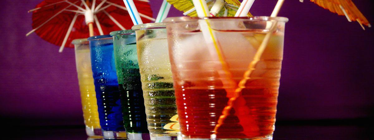 Cocktails_mit_Schirmchen-Version-2
